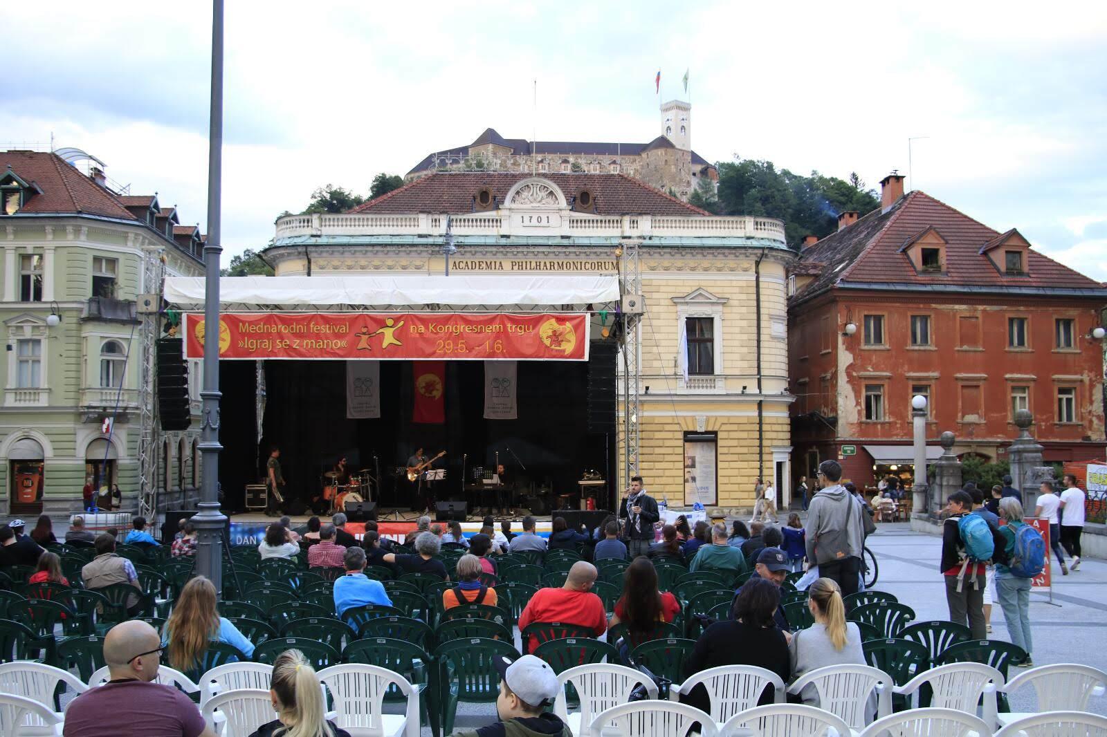 festival-igrajsezmano-ljubljana-2019-sobota-zvecer_10_batch